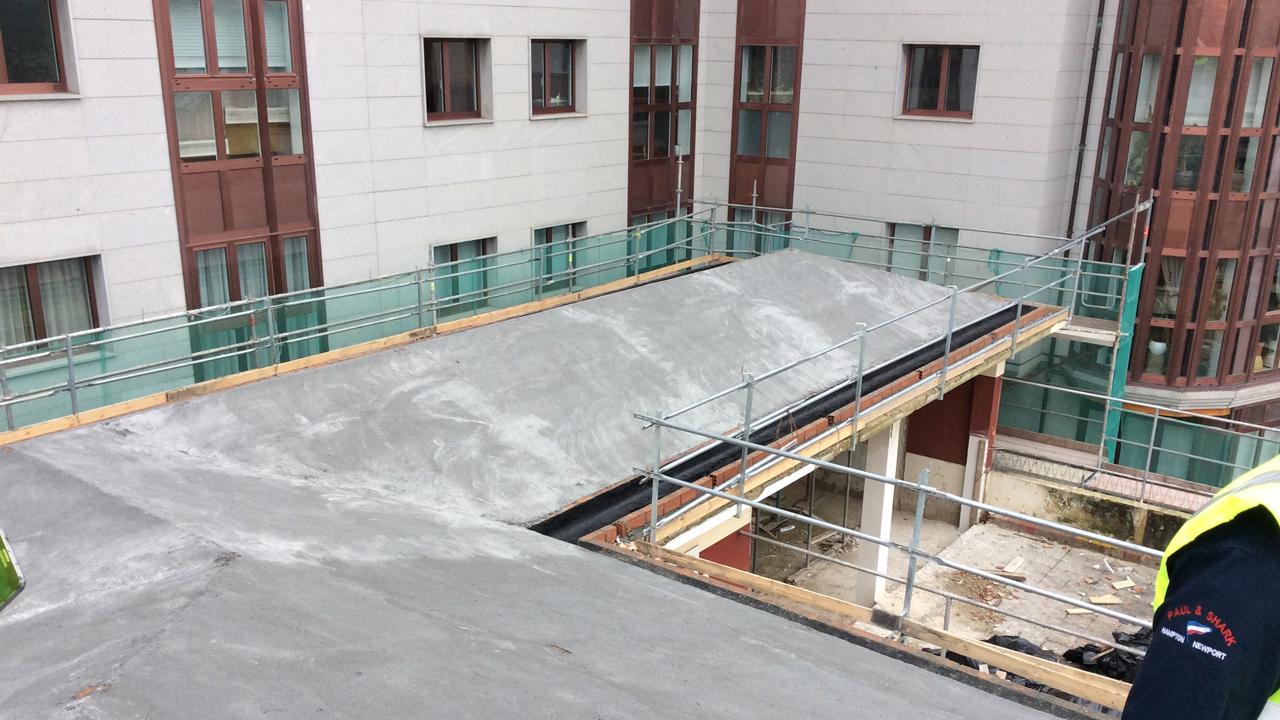 Solado cubierta edificio ine Grupoias